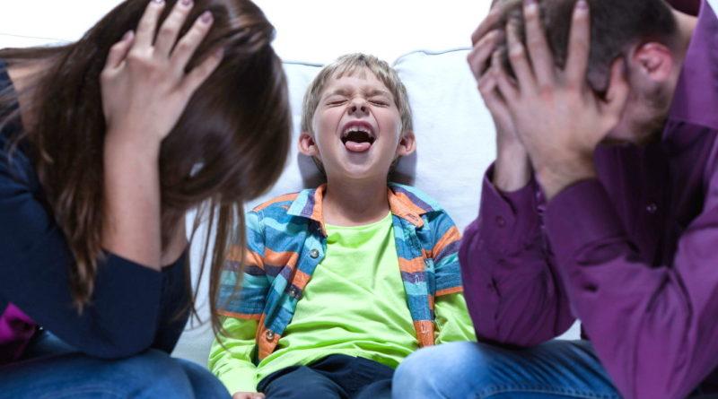 манипулировать родителями